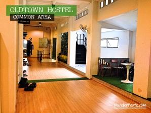 bangkok-thailand-oldtown-hostel-common-area-4