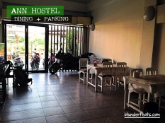 chiang-rai-thailand-ann-hostel-dining-parking