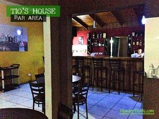 san-ramon-costa-rica-tios-house-bar-area